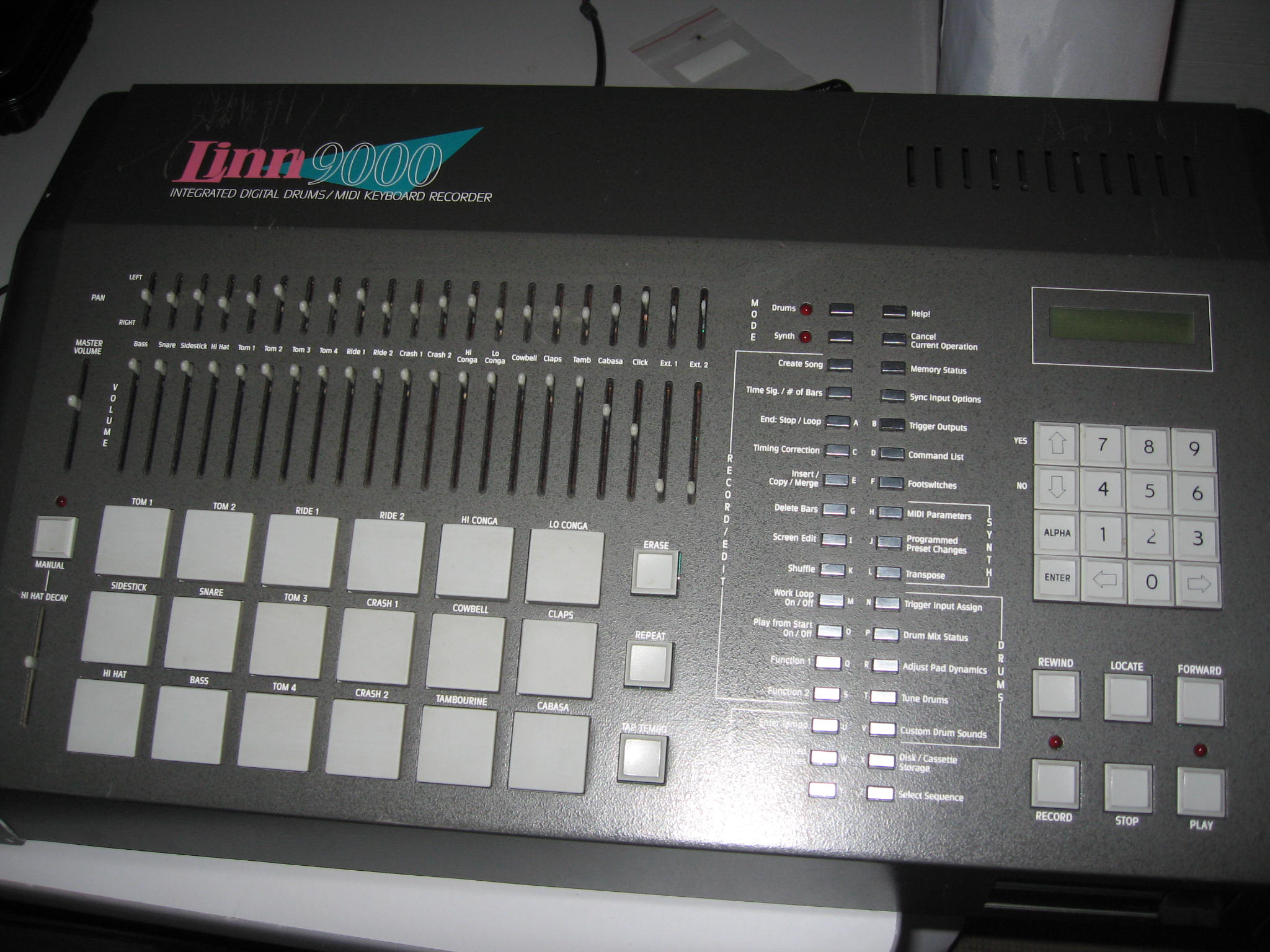 drum machine repair this old synth blog. Black Bedroom Furniture Sets. Home Design Ideas