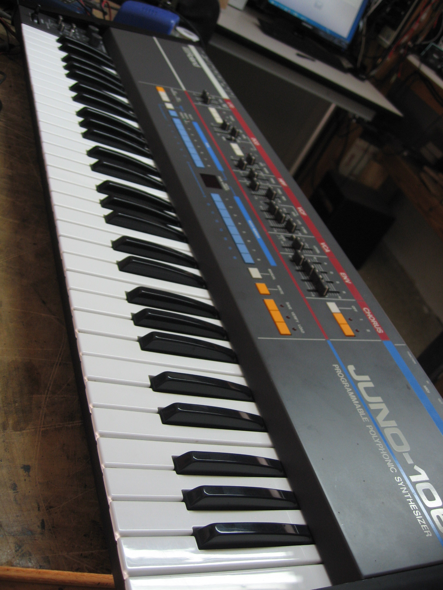 This Old Synth Blog Vintage Analog Synthesizer Part Of Printed Circuit Board With Electronic When Quoting Restoration Repair The Juno 106 I Often Describe It As A Money Pit Because Amount Work Requires And High Parts Price